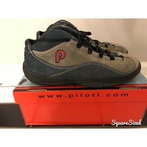 Piloti like-new driving shoes